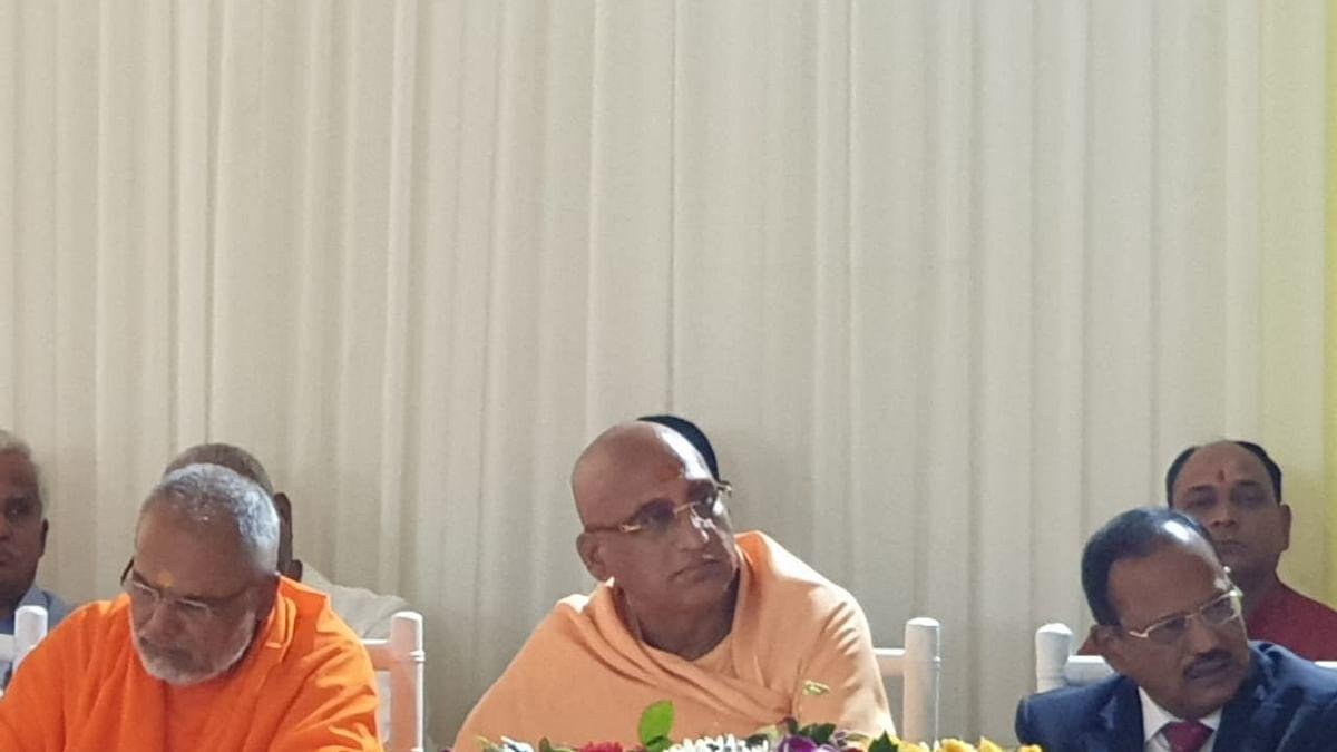 अयोध्या फैसला: NSA डोभाल की अगुवाई में धर्मगुरुओं की मीटिंग, देश में शांति बनाए रखने पर जोर