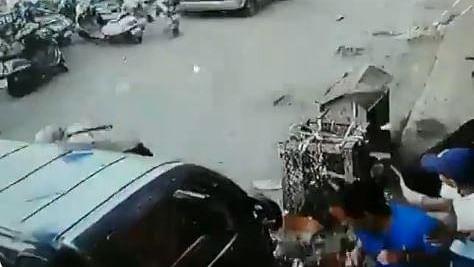 इंफाल IED ब्लास्ट: सामने आया धमाके का CCTV फुटेज, विस्फोट के बाद भागते दिखे सुरक्षा कर्मी
