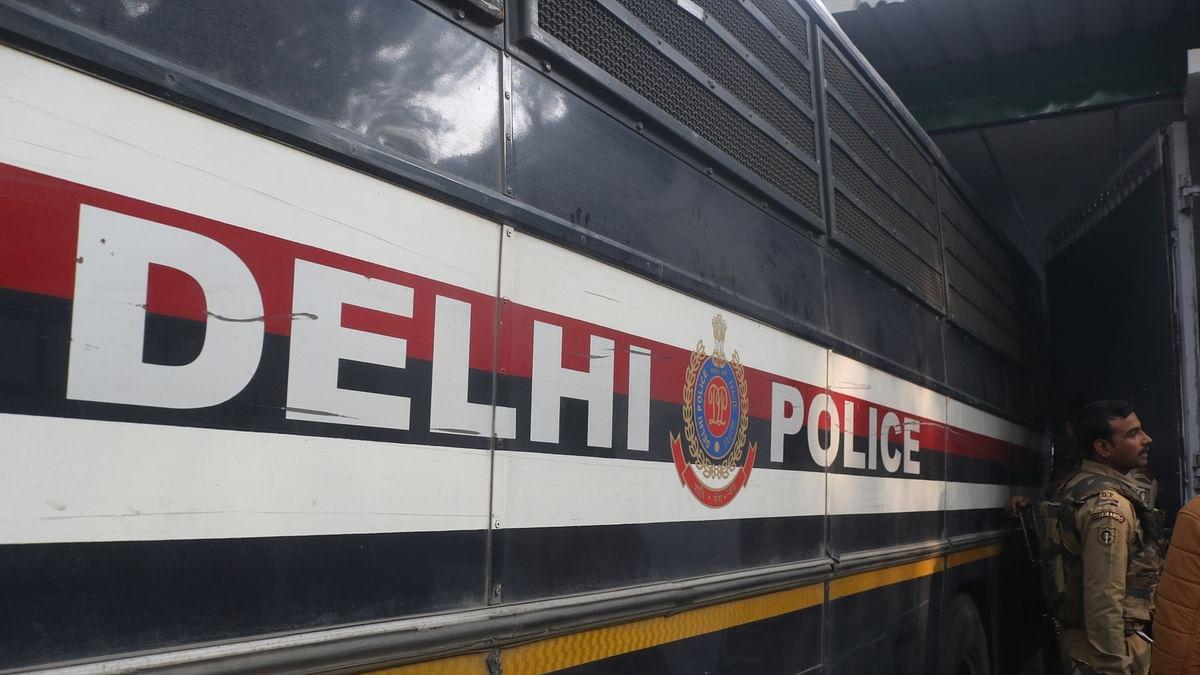 कैदी को होटल में 'बिरयानी' खिलाने वाली दिल्ली पुलिस टीम सस्पेंड, अफसर शर्मसार