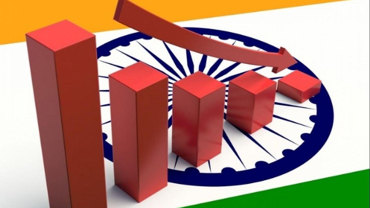 आर्थिक मोर्चे पर मोदी सरकार को एक और झटका, इंडिया रेटिंग ने विकास दर का अनुमान घटाया