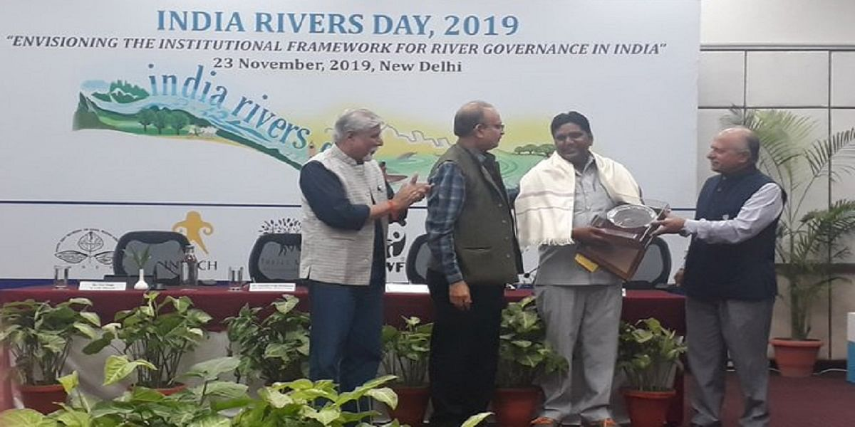 उत्तर प्रदेश में काठा नदी को जिंदा कर रहा है 'पानी का दोस्त' मुस्तकीम मल्लाह, मिला 'भगीरथ प्रयास सम्मान'