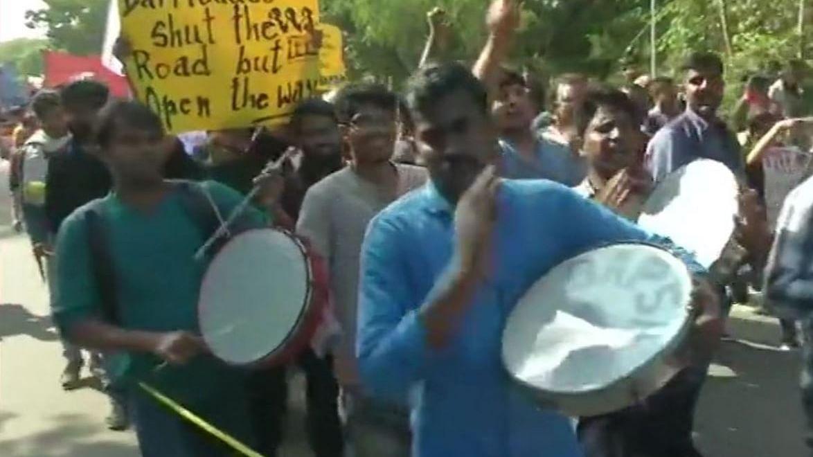 नवजीवन बुलेटिन: कैंपस से संसद तक JNU छात्रों का मार्च और चिदंबरम की जमानत याचिका पर सुनवाई को तैयार सुप्रीम कोर्ट