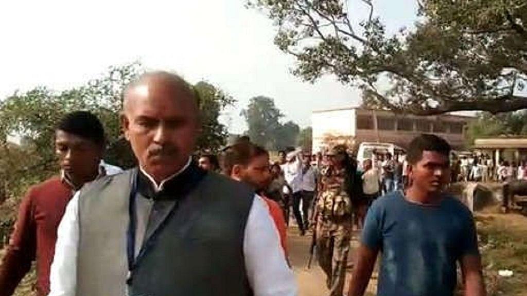 झारखंड विधानसभा चुनाव: मतदान के बीच पलामू में कांग्रेस उम्मीदवार केएन त्रिपाठी पर हमला