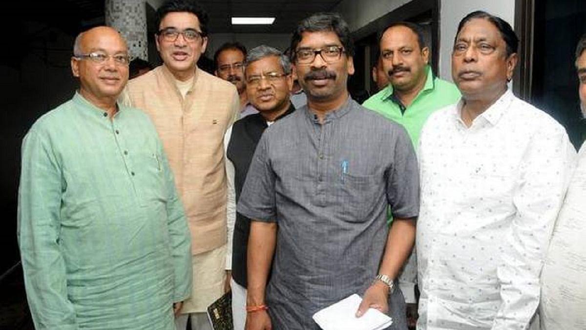 झारखंड में खंड-खंड एनडीए- सहयोगी ही खड़े हो गए हैं बीजेपी के खिलाफ, नीतीश-पासवान ने भी बनाई दूरी