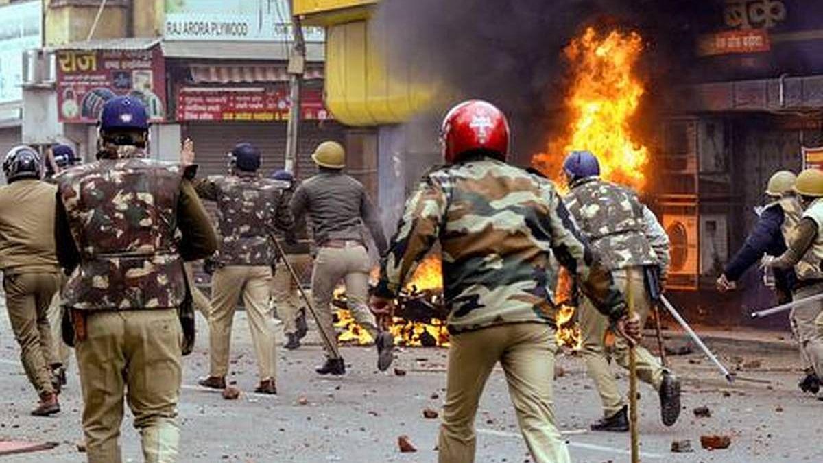 विष्णु नागर का व्यंग्यः भारत जैसा एक देश, जहां के 'मोदी' ने असत्य और हिंसा विश्वविद्यालय की आधारशिला रखी!