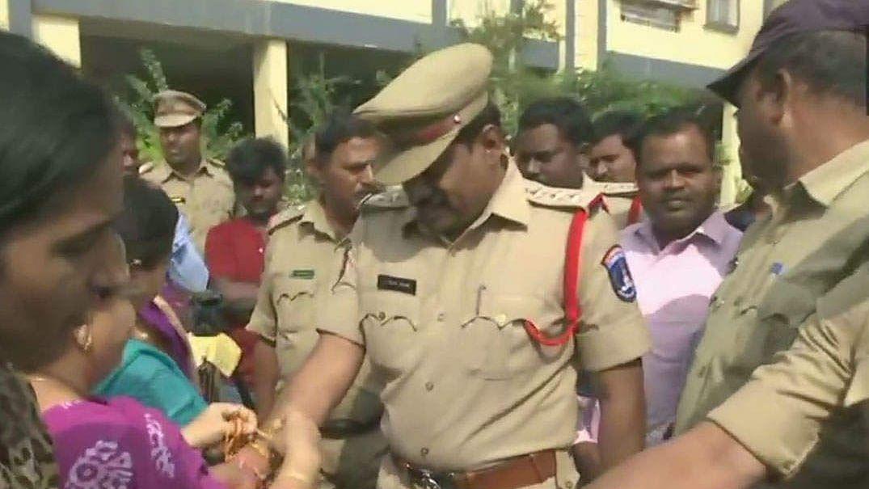 हैदराबाद एनकाउंटर: क्या अब ये मान लेना चाहिए कि देश की पुलिस भी भीड़ तंत्र का सक्रिय हिस्सा बन गई है?
