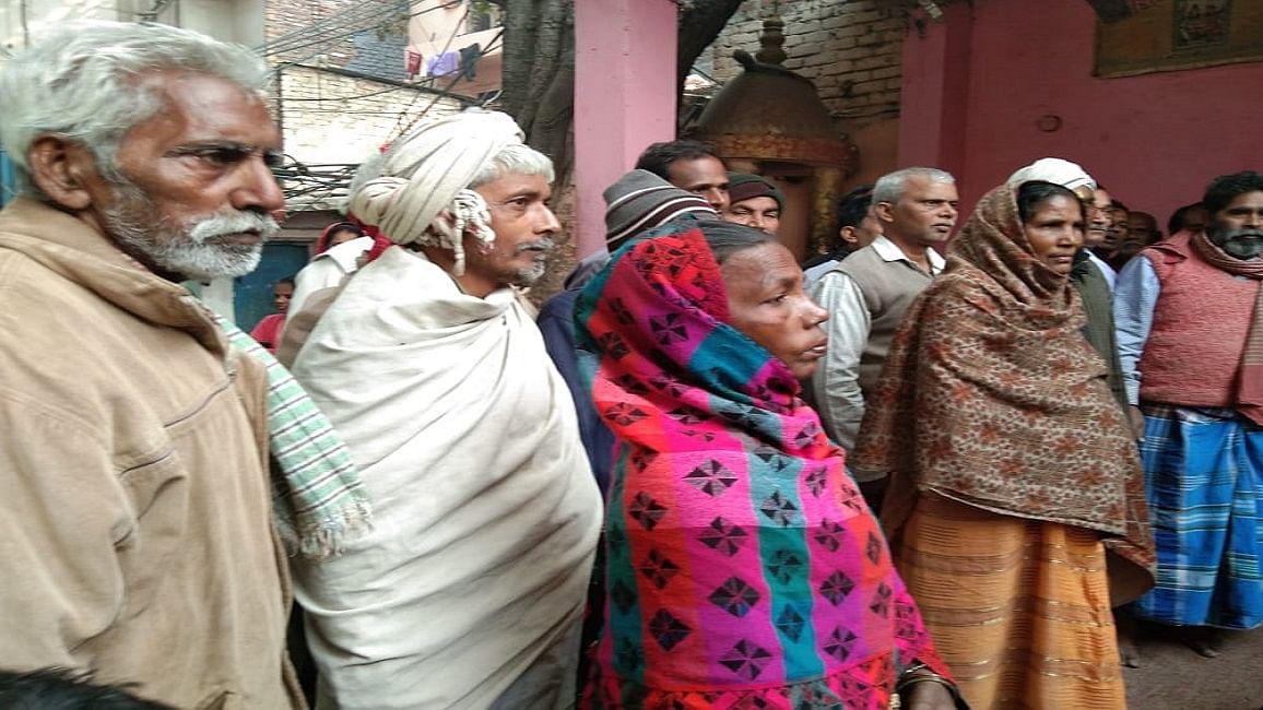 राजधानी की मजदूर बस्तियों में बुनियादी जरूरतों का भयंकर अभाव, रोजी-रोटी तक पर संकट से आक्रोश