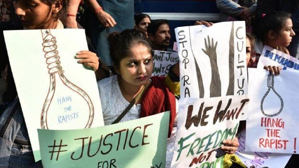 फास्ट ट्रैक कोर्ट में होगी हैदराबाद रेप पीड़िता केस की सुनवाई, जल्द न्याय दिलाने के लिए तेलंगाना सरकार का फैसला