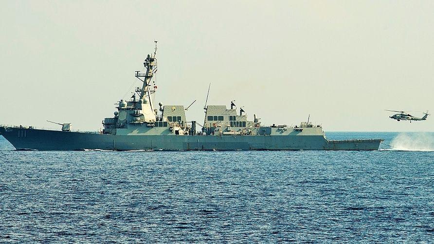 दुनिया की 5 बड़ी खबरें: यूक्रेन के बंदरगाह पहुंचा अमेरिकी मिसाइल विध्वंसक, 'मीडिया की आवाज दबा रही इमरान सरकार'