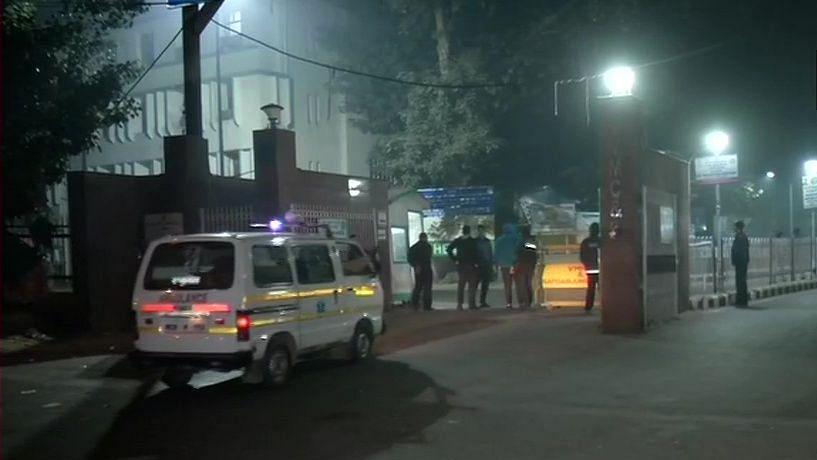 बड़ी खबर LIVE: नहीं बचाई जा सकी उन्नाव गैंगरेप पीड़िता, देर रात दिल्ली के अस्पताल में तोड़ा दम