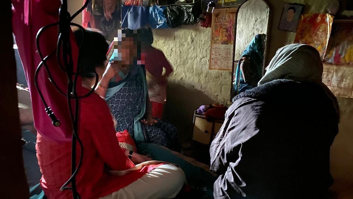 उन्नाव गैंगरेप पीड़ित के परिवार ने प्रियंका गांधी को बताई आपबीती- एक साल से प्रताड़ित कर रहे थे आरोपी