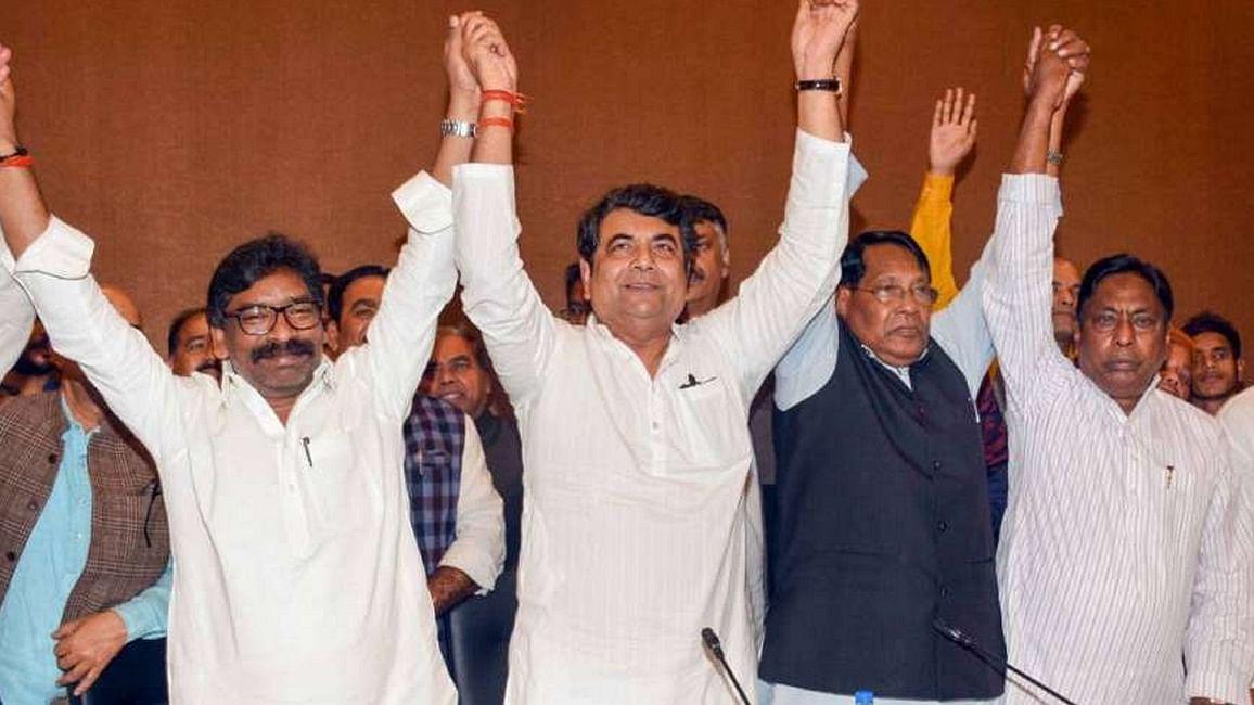 झारखंड में जेएमएम-कांग्रेस को पूर्ण बहुमत, जीत पर हेमंत सोरेन ने कहा- लोगों की उम्मीदें टूटने नहीं देंगे