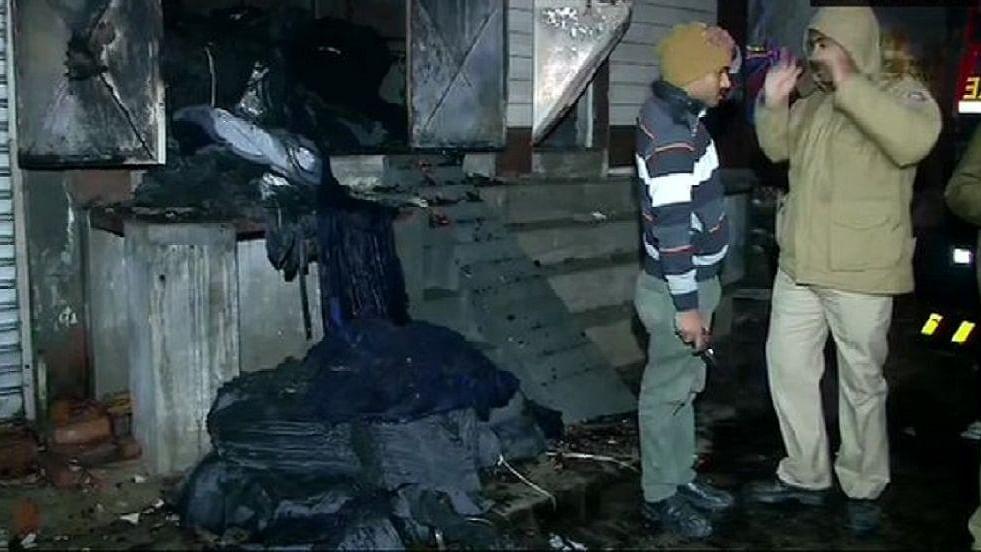दिल्ली के किराड़ी में 9 लोगों की जिंदा जलकर मौत, कई की हालत गंभीर, 20 दिनों के अंदर राजधानी में दूसरी बड़ी घटना