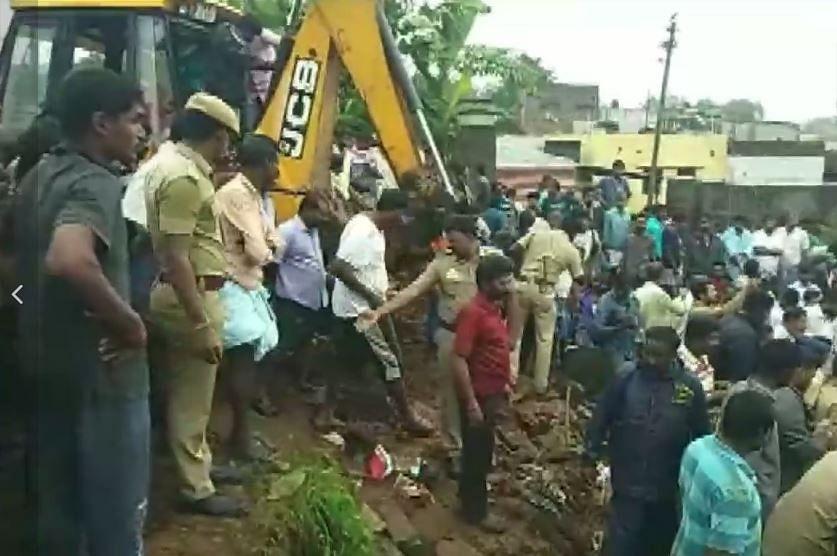 तमिलनाडु में भारी बारिश के बीच कोयंबटूर में दीवार गिरने से कोहराम, 15 लोगों की दर्दनाक मौत