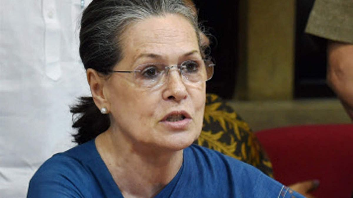 सोनिया गांधी इस साल नहीं मनाएंगी अपना जन्मदिन, महिलाओं के साथ हो रहे दुष्कर्म और अत्याचार के कारण लिया फैसला