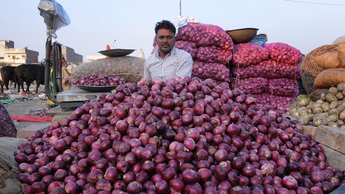 अर्थ जगत की 5 बड़ी खबरें: दिल्ली में फिर 150 रुपये किलो प्याज, निर्यातकों ने वित्तमंत्री से की मुलाकात