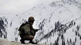 बड़ी खबर LIVE: कुपवाड़ा जिले के तंगधार में सेना के जवान बर्फीले तूफान में घिरे, खोज और राहत का अभियान जारी, 3 जवान लापता