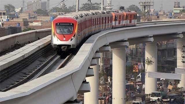 विश्व की 5 बड़ी खबरें: अपने देश के विदेश मंत्रालय पर जमकर बरसीं पाक मंत्री, पाकिस्तान में पहली मेट्रो का ट्रायल रन शुरू