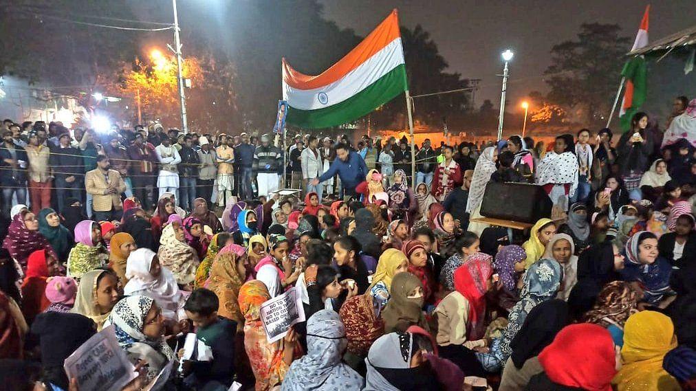 शाहीन बाग की तरह कोलकाता में CAA-NRC के खिलाफ प्रदर्शन जारी, चिदंबरम हुए शामिल, मोदी सरकार के खिलाफ लगे नारे