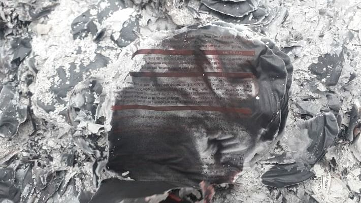 नोएडा: कमिश्नर के आने से पहले जलाइ गई एसएसपी दफ्तर की फाइलें, जांच शुरू