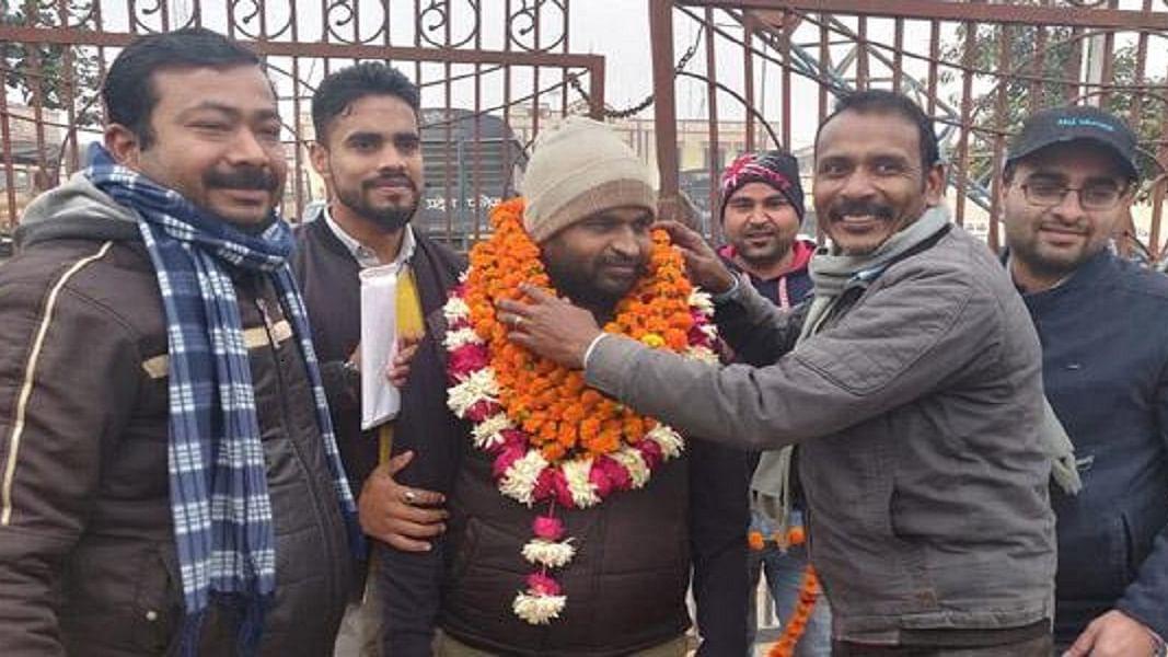 CAA Protest में गिरफ्तार सामाजिक  कार्यकर्ता से पुलिस ने पूछा- 'आप हिंदू, फिर आपकी दोस्ती मुसलमानों से क्यों?'