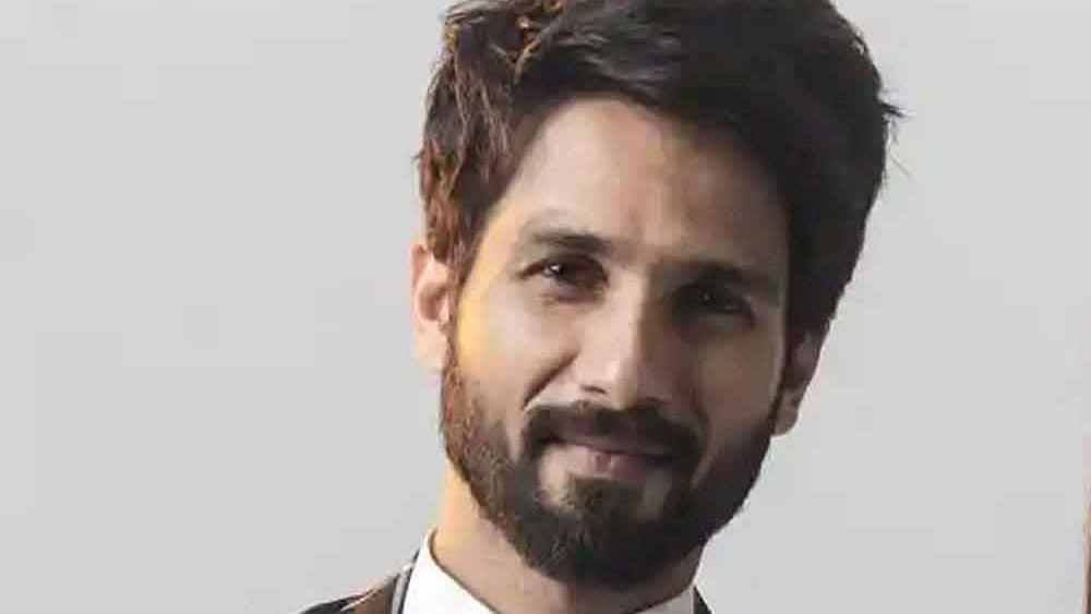 सिनेजीवन: धीरे-धीरे चोट से उबर रहे हैं शाहिद  और फिल्म 'शमशेरा' के लिए साथ आएंगे रणबीर कपूर और शक्ति मोहन