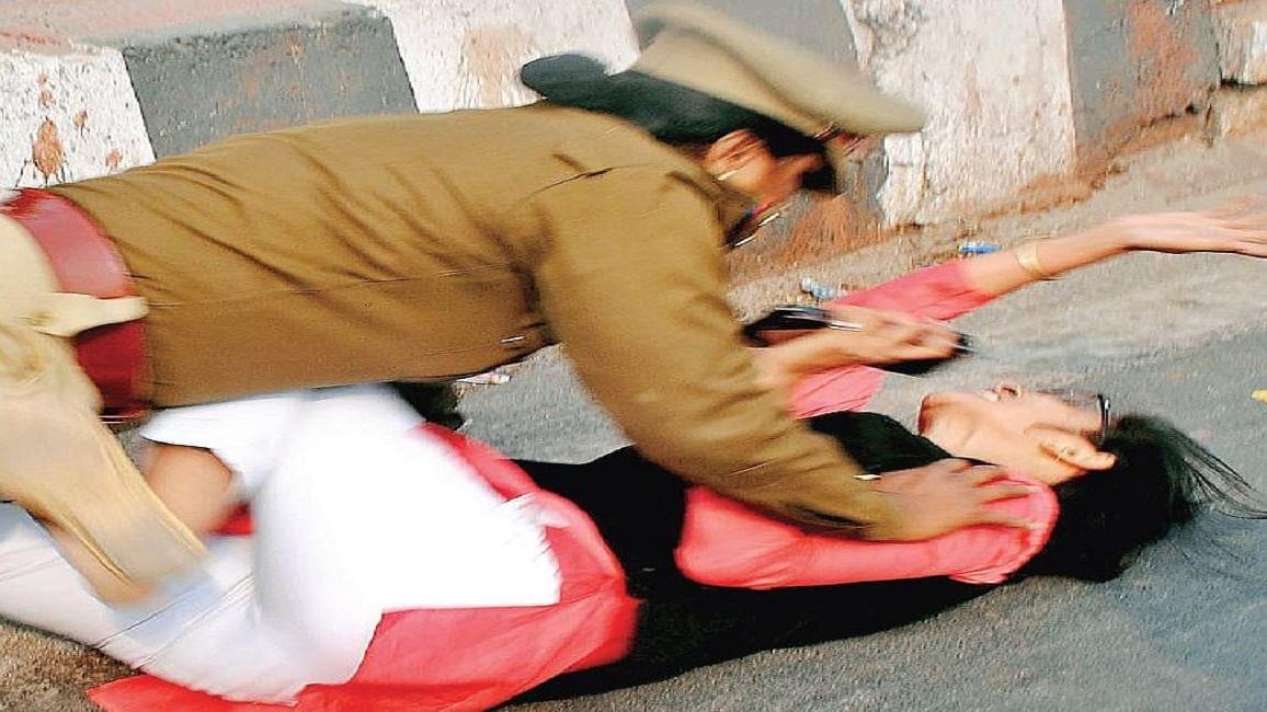 योगीराज में पुलिस से भी खतरनाक हैं पुलिस मित्र
