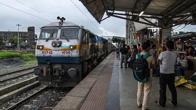 अर्थ जगत की खबरें: RTI से खुलासा, रेलवे ग्रुप डी में पिछले साल 4700 युवाओं को मिली नौकरी, फीकी पड़ी सोने की चमक