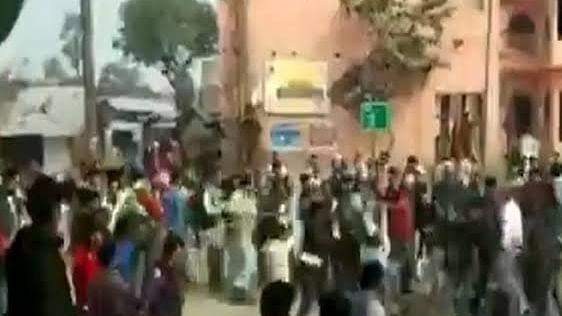 CAA के समर्थकों और विरोधियों के बीच झड़प,  बंगाल में 2 की मौत, बिहार में 15 लोग हुए घायल