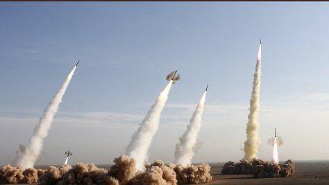 पहले ईरान ने दागी मिसाइलें, फिर विमान हादसे में 170 की मौत, भूकंप के झटकों से दहला ईरान, जानें आज क्या-क्या हुआ