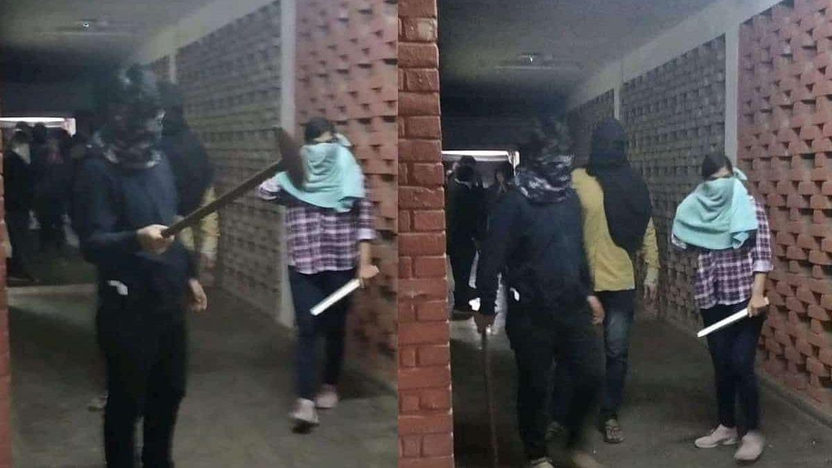 नवजीवन बुलेटिन: बेनकाब हुई JNU हमले में शामिल नकाबपोश लड़की और आगरा-लखनऊ एक्सप्रेसवे पर भीषण सड़क हादसा