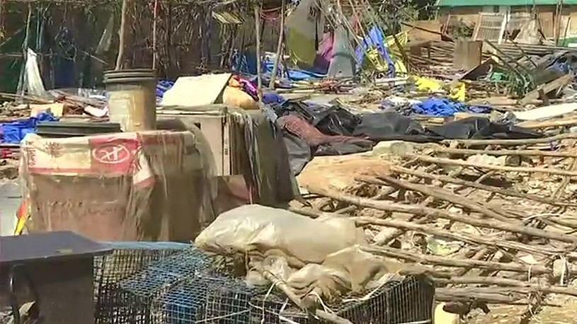 कर्नाटक: बांग्लादेशी बताकर बीजेपी विधायक ने गरीब भारतीयों के घरों पर चलवा दिया बुल्डोजर, हजारों लोग बेघर