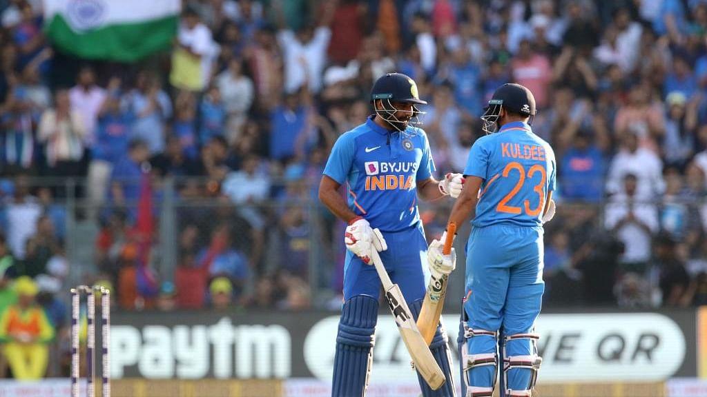 INDvsAUS: फिर विफल रहा भारत का मध्य, निचला क्रम, 50 ओवर से पहले ही ढेर हुई टीम इंडिया