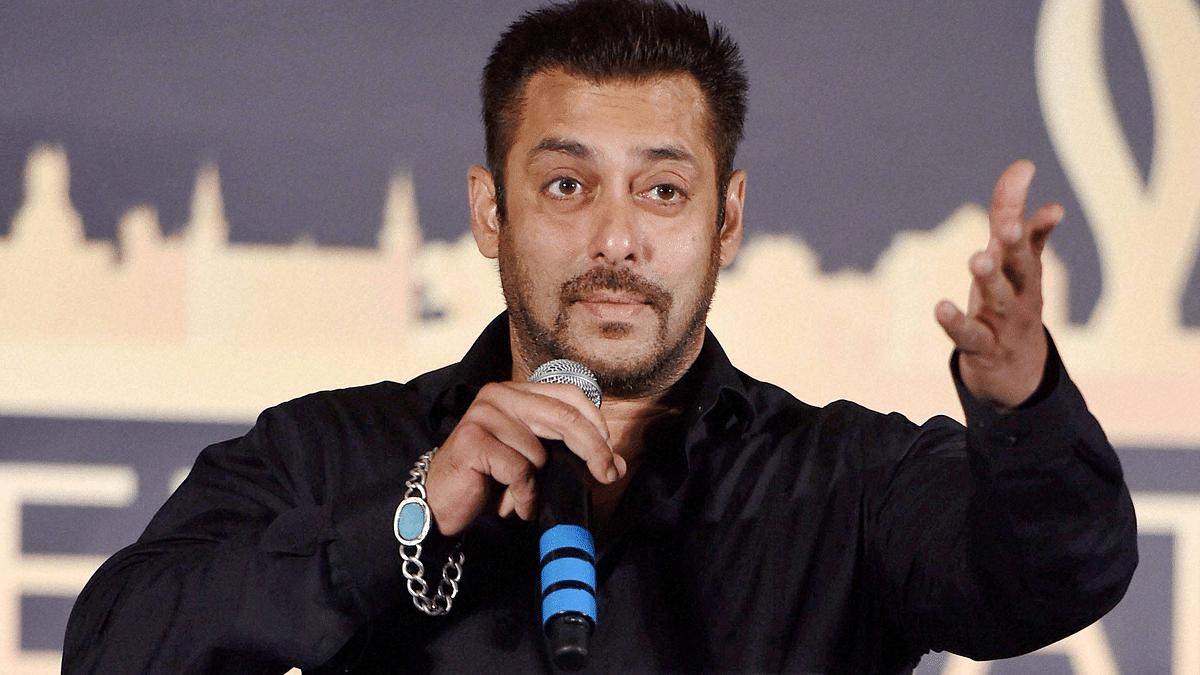 सिनेजीवन: 2021 के लिए सलमान खान ने किया फिल्म का ऐलान और वरुण धवन ने भारतीय वायुसेना के साथ बिताए 'जादुई' दिन