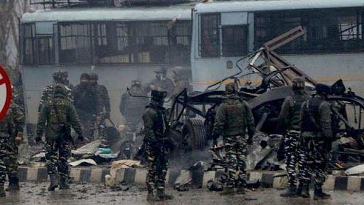 पुलवामा  हमले की बरसी: जानें आखिर क्या हुआ था आज के दिन, ना'पाक' मंसूबों ने ले ली थी 40 जवानों की जान