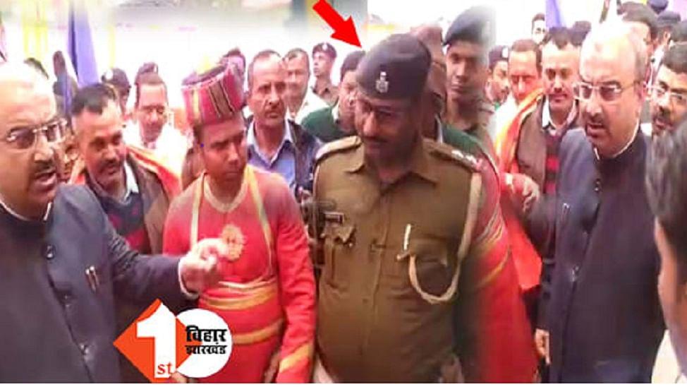 नीतीश के स्वास्थ्य मंत्री को जब पुलिस अधिकारी ने नहीं पहचाना तो भड़क गए, बोले- सस्पेंड करो, तेजस्वी का पलटवार