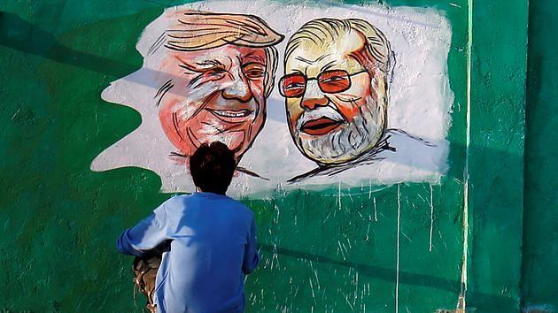 ट्रंप अमेरिकी कंपनियों के लिए बाजार बनाने और चीन के खिलाफ भारत के इस्तेमाल के इरादे से आ रहे हैं