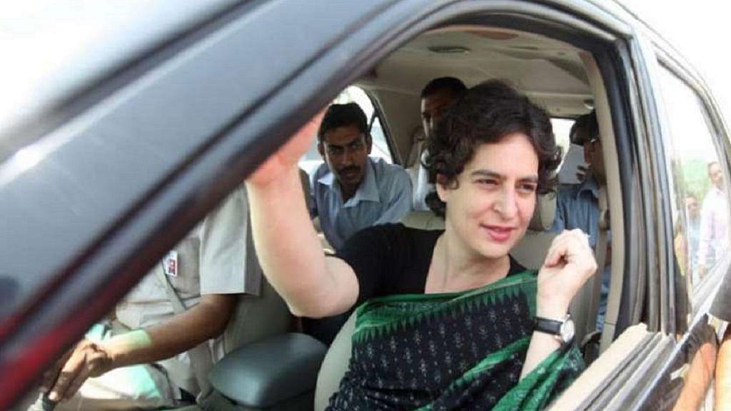 CAA: घायल प्रदर्शनकारियों से आजमगढ़ मिलने निकलीं प्रियंका बोलीं- जिन पर जुल्म हो रहा, उनसे मिलना मेरा कर्तव्य