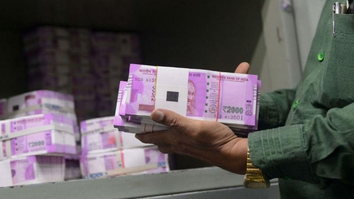 अर्थ जगत की 5 बड़ी खबरें: बंद होंगे 2000 रुपये के नोट? ATM में हो रहे बदलाव, शेयर बाजार पर कोरोना वायरस का कहर