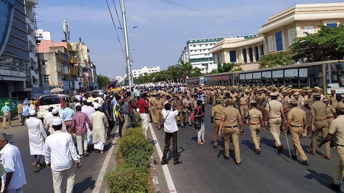 नवजीवन बुलेटिन: CAA के विरोध में चेन्नई सचिवालय के घेराव की कोशिश और ट्रंप ने मोदी की उम्मीदों पर फेरा पानी