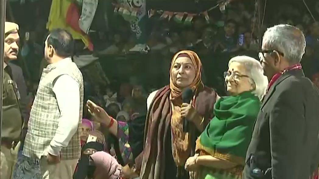 बड़ी खबर LIVE: शाहीन बाग का रास्ता खोलकर दोबारा बंद करने पर वार्ताकार नाराज, कहा- सुप्रीम कोर्ट को बताएंगे