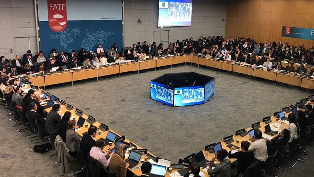 दुनिया की 5 बड़ी खबरें: FATF में पाकिस्तान को लगा बड़ा झटका और मासूम मदीहा को इंसाफ दिलाने के लिए सोशल मीडिया पर मुहिम