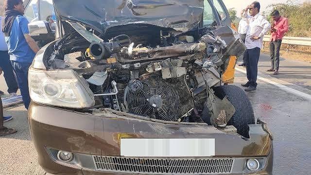 महाराष्ट्र में भीषण सड़क हादसा, मौके पर ही 10 लोगों ने तोड़ा दम,  6 लोग घायल