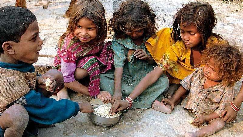बच्चों को लेकर भी असंवेदनशील है मोदी सरकार, लगातार जारी है बाल कल्याण की योजनाओं में कटौती