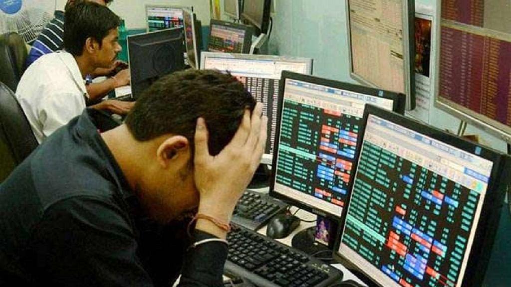 बाजार में कोहराम, शेयर धारकों के 5 लाख करोड़ रुपये स्वाहा, सेंसेक्स में 1100 और निफ्टी में 300 अंकों की गिरावट