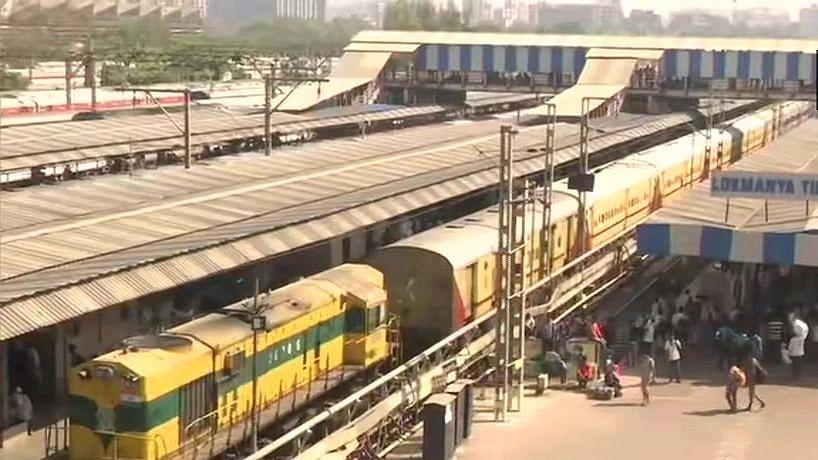 कोरोना वायरस ने रोकी ट्रेन की रफ्तार, 709 ट्रेनें आज रद्द, मुंबई के रेलवे स्टेशन पर मच गई अफरा-तफरी