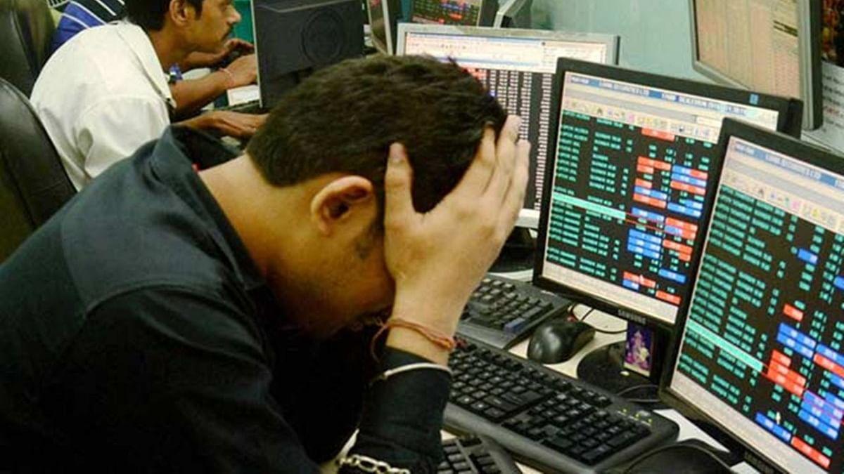 कोरोना वायरस से नहीं उबर पा रहा शेयर बाजार, खुलते ही  सेंसेक्स धड़ाम, 2000 अंक से ज्यादा फिसला