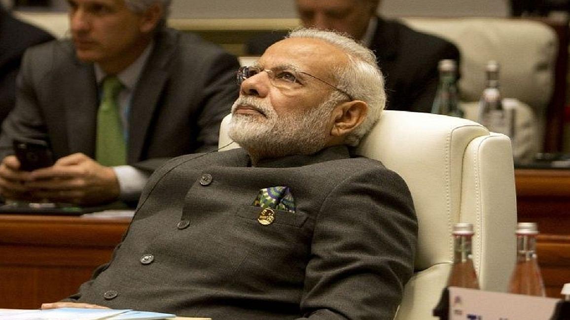 विष्णु नागर का व्यंग्यः मोदीजी अब सोचने लगे हैं, कहीं संघ-बीजेपी की परंपरा से हट तो नहीं रहे!