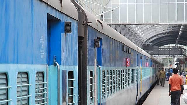 रेलवे के इतिहास में पहली बार! 31 मार्च तक रद्द की गईं सभी ट्रेनें, कोरोना के चलते लिया ये बड़ा फैसला