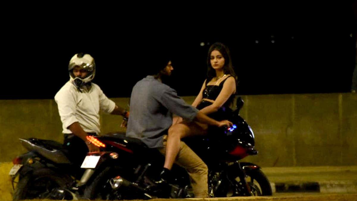 सिनेजीवन: देर रात बाइक पर रोमांस करती दिखीं अनन्या और दीपिका ने हॉलीवुड में काम करने की जताई इच्छा